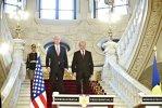"""Băsescu: """"Cu scutul antirachetă de la Deveselu există un singur risc: să fim etichetaţi stat imprevizibil"""""""