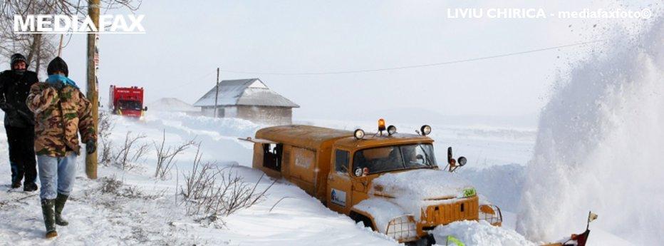 COD ROŞU de campanie. Judeţele afectate de ninsoare vor primi de la Guvern combustibil gratuit din rezervele de stat, la trei luni după ce s-a topit zăpada
