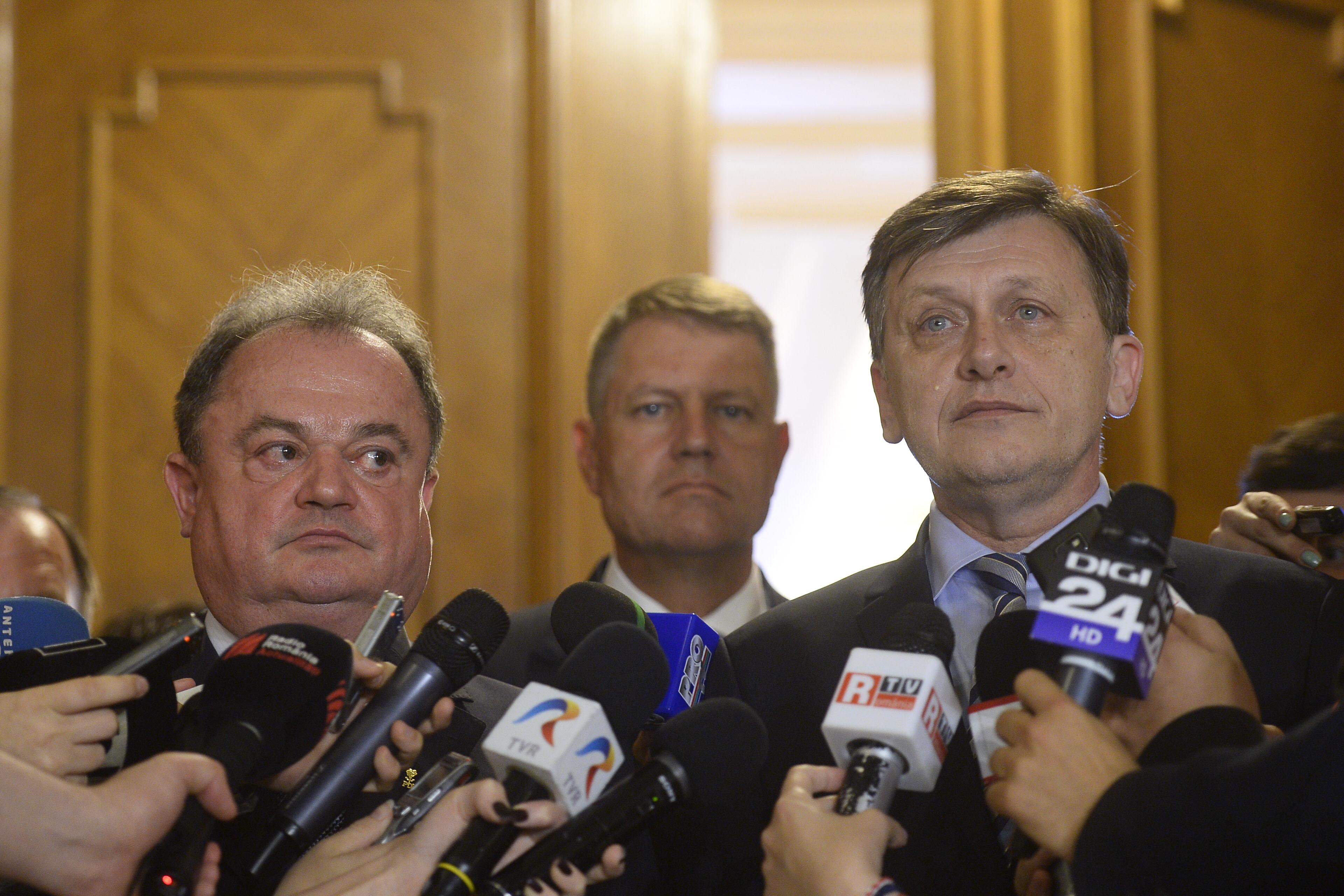 PDL decide fuziunea cu PNL in unaniminate. Prezidentiabilul dreptei, stabilit pana cel tarziu la 1 august