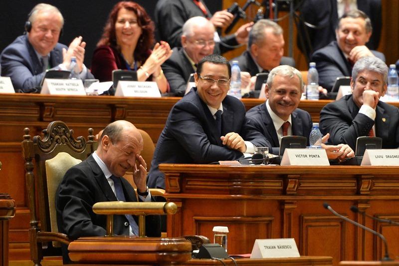 Premierul Ponta ii cere presedintelui Basescu sa demisioneze din cauza scandalului Mircea Basescu - Bercea Mondial