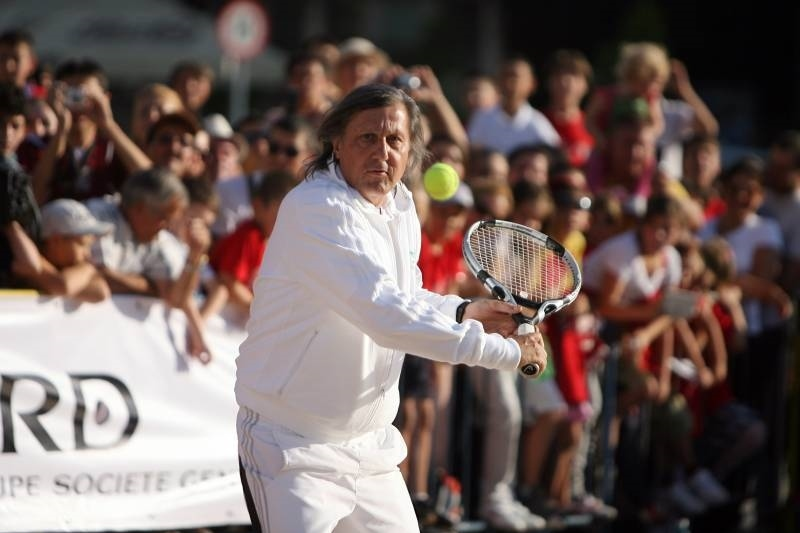 Ilie Nastase, prima data in Senat: