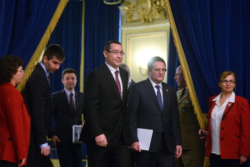 Informarile SRI despre clanul Bercea Mondial nu au ajuns si la Victor Ponta: