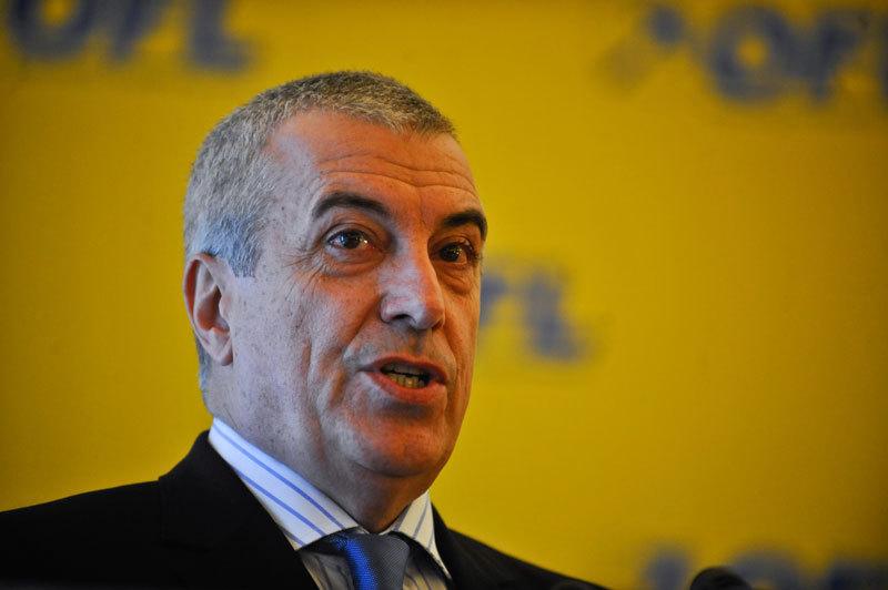 Tariceanu isi lanseaza partidul. ''Vin peste 20 de parlamentari PNL''