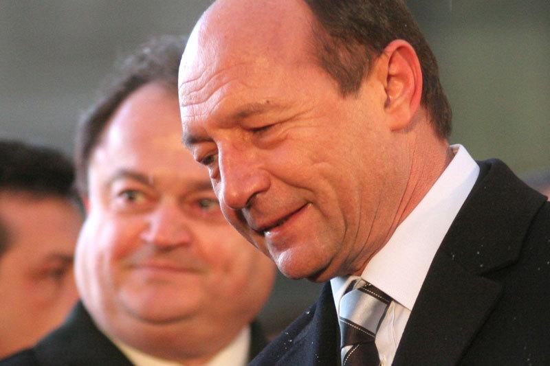Basescu, atac DUR la PDL: Se preda PNL, care nu se dezice de lovitura de stat din 2012. Si eu am facut compromisuri, dar nu asa de mizerabile