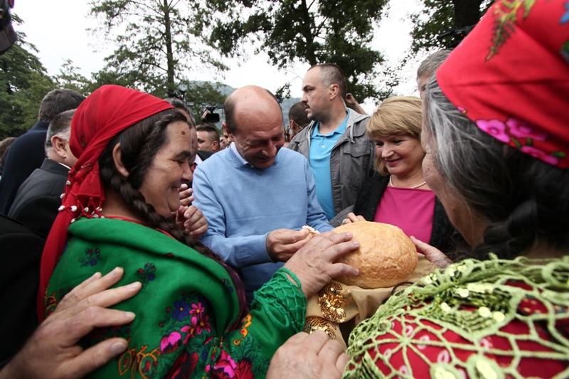 Filmul Costesti 2009, reevaluat de Basescu:
