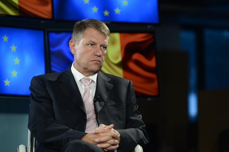 Klaus Iohannis va fi decorat de Ambasada Germaniei