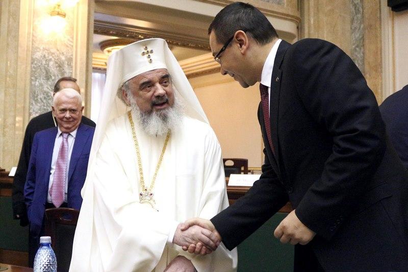 Prezidentiabilul A DAT, Biserica A LUAT! Gestul NEASTEPTAT facut de Victor Ponta cu cateva luni inainte de alegeri