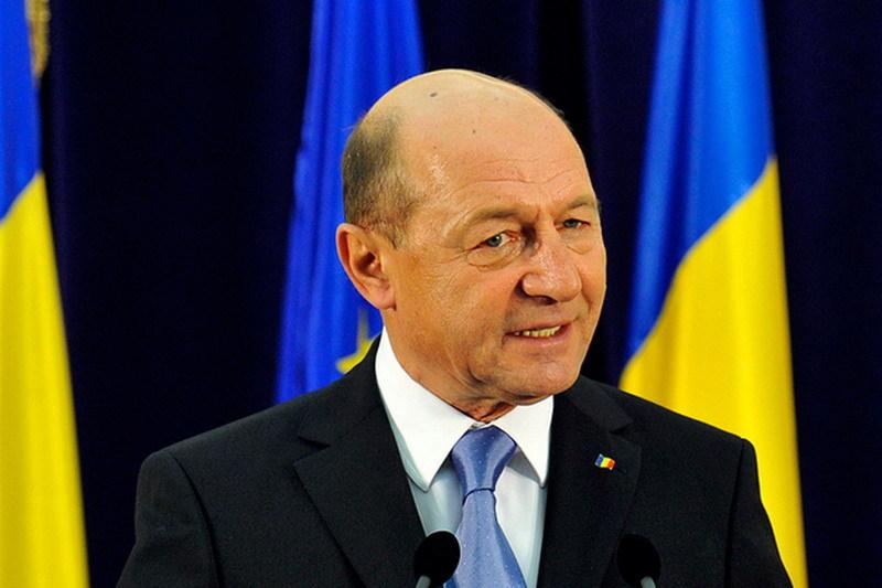Basescu: Suntem in recesiune, criza e aproape. Lui Ponta ii duduie economia in cap