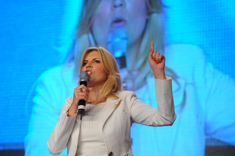 Elena Udrea: Il pot bate pe Victor Ponta la alegerile prezidentiale