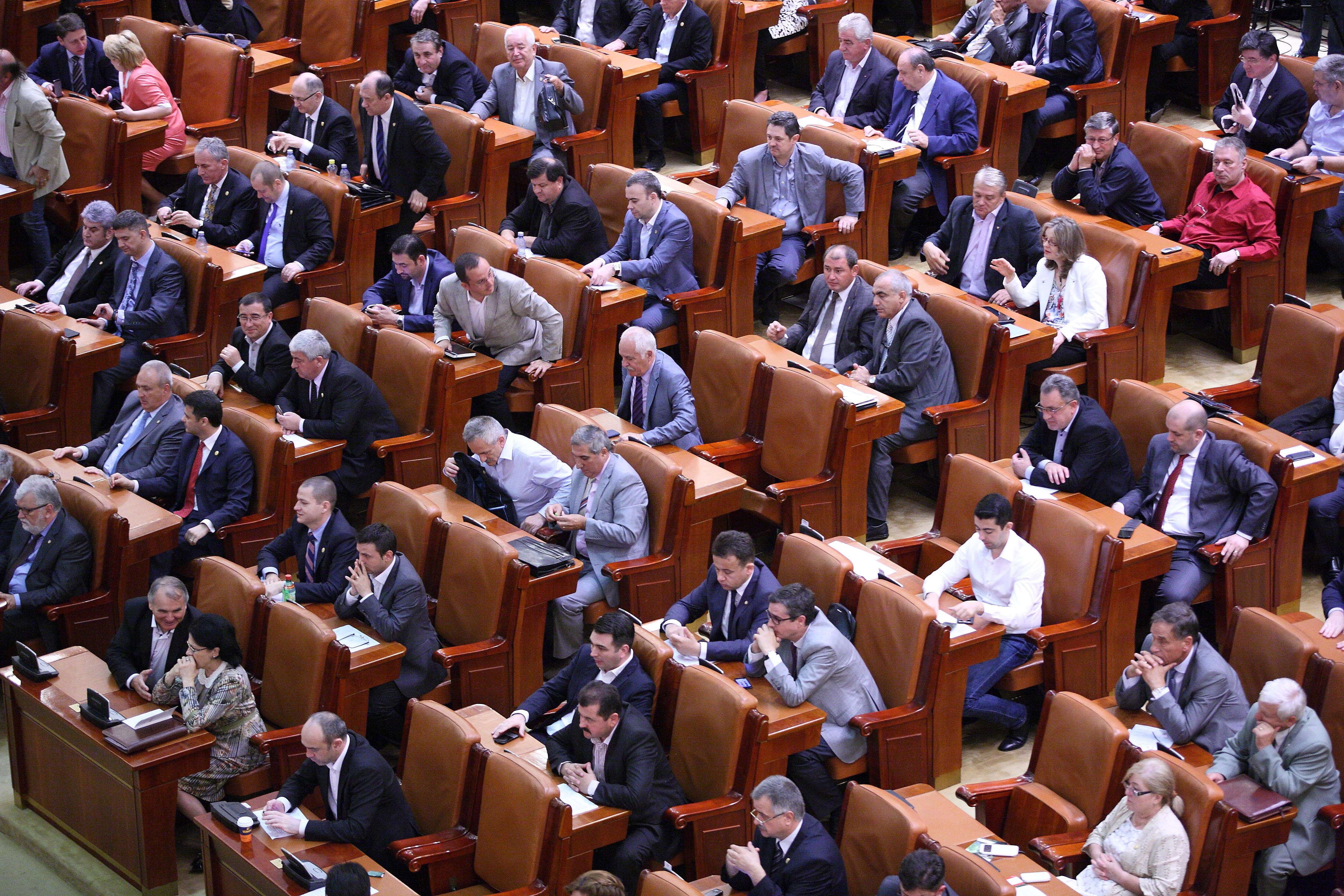 Senator, luat prin surprindere de amanarea sesiunii extraordinare: