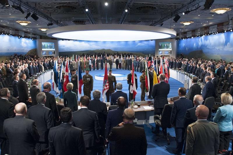 Corespondenta din Tara Galilor: Comandament NATO condus de americani, in Romania. Presedintele Ucrainei se declara ,,optimist moderat
