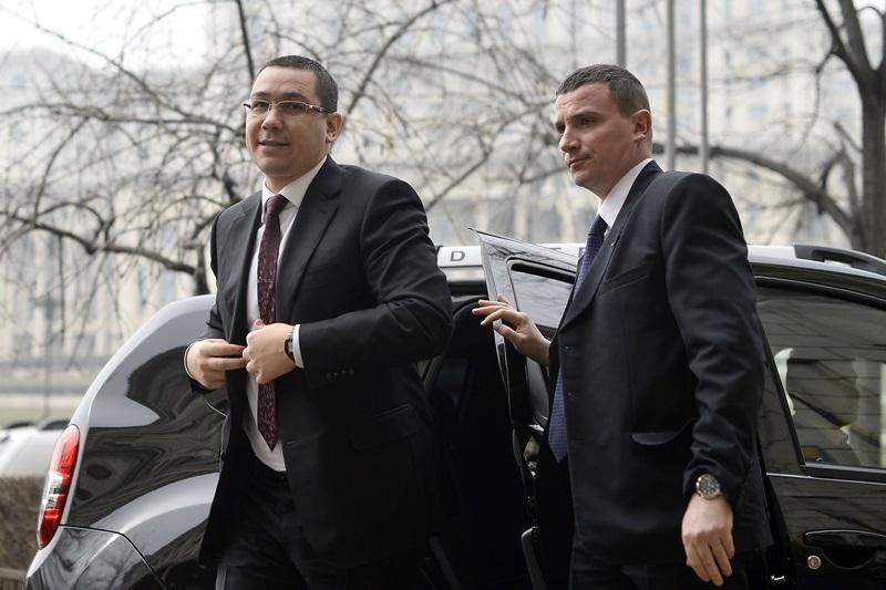 SURPRIZA de proportii din partea lui Victor Ponta. Are loc in septembrie. Cine sunt romanii vizati de aceasta masura