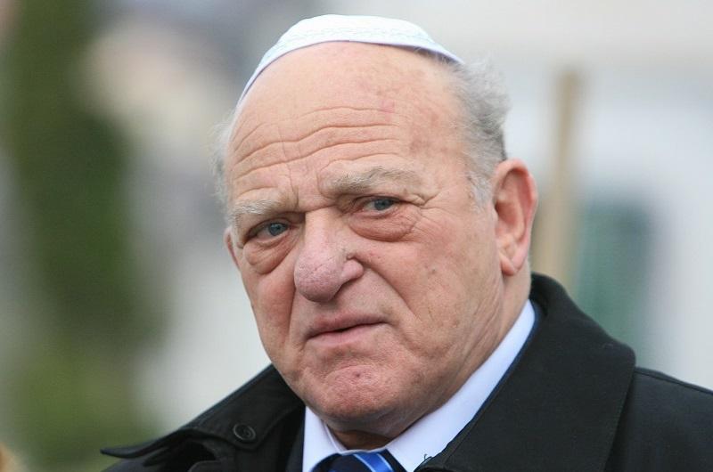Ponta si liderul comunitatii evreiesti din Romania se contrazic in scandalul ,,efectelor regimului Basescu