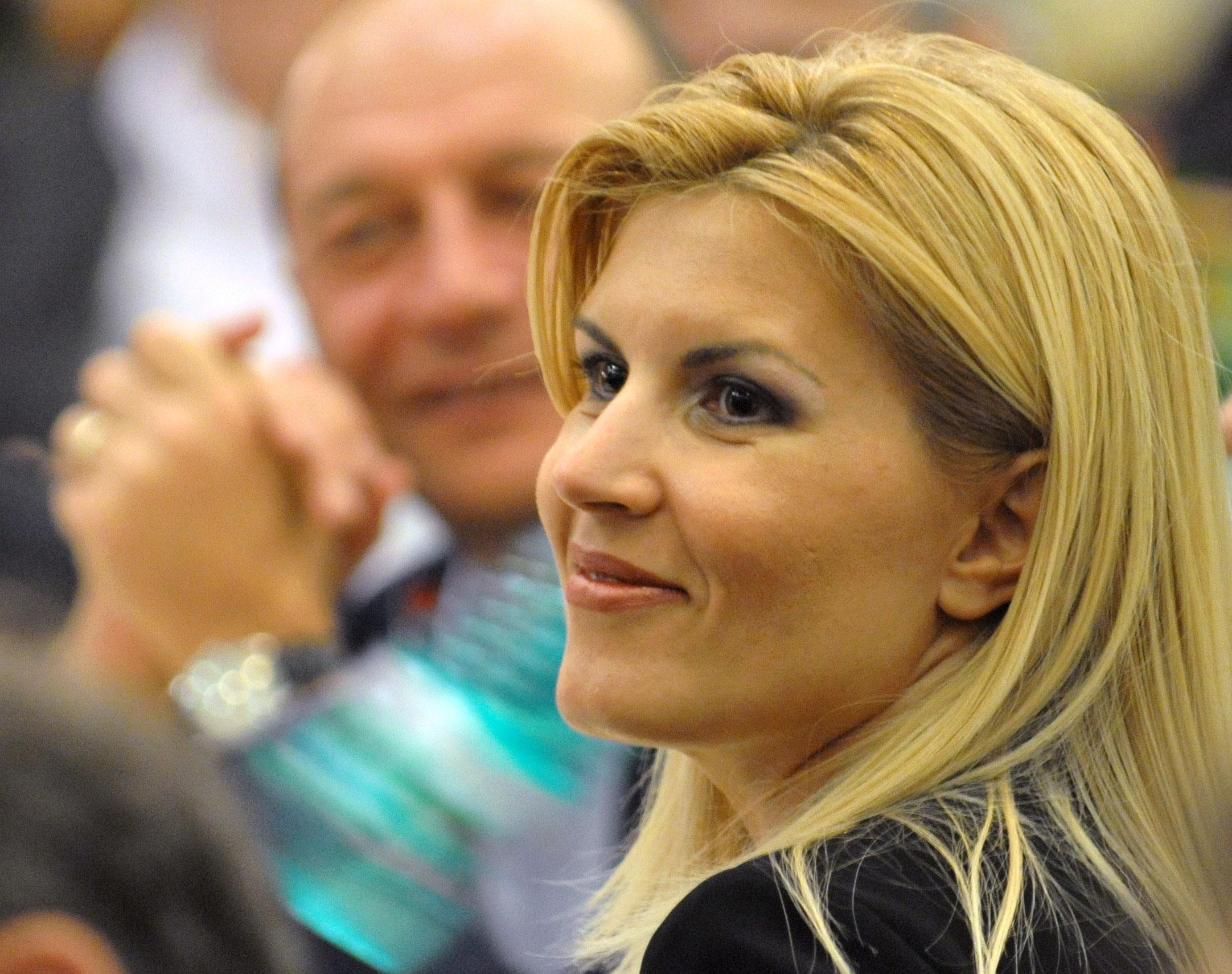 Traian Basescu: O sustin pe Elena Udrea chiar daca acesta este un motiv ca domnul Tariceanu sa isi duca demersul mai departe