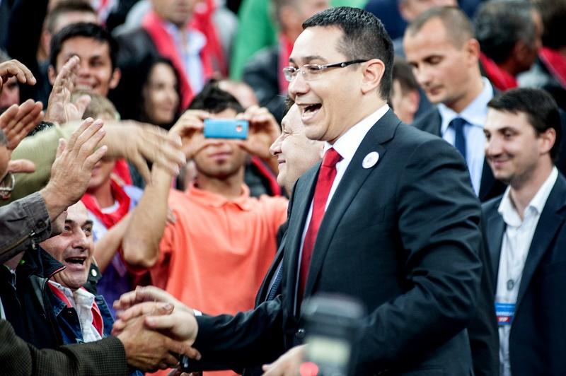Victor Ponta isi lanseaza de ziua lui candidatura pe Arena Nationala. Cum sunt invitati angajatii unei regii de stat la mega-show-ul cu 70.000 de spectatori