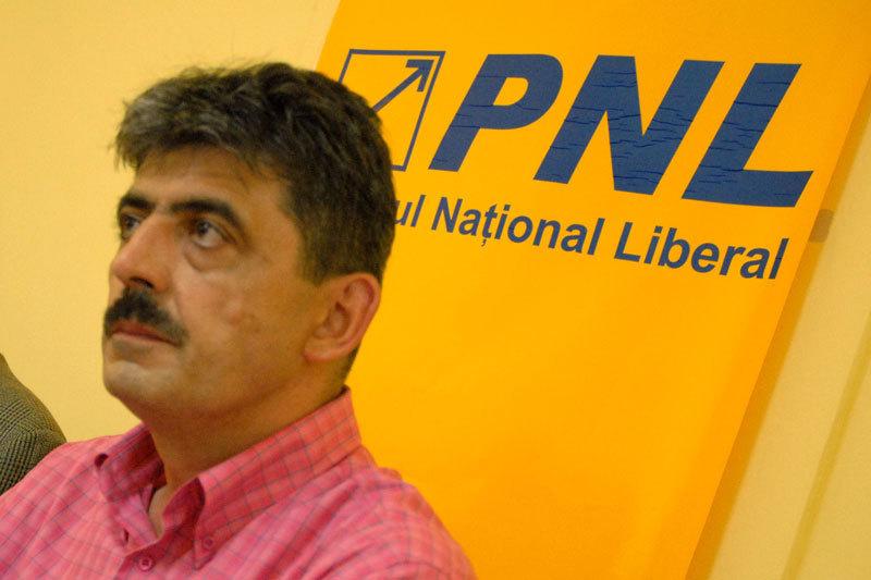 Presedintele suspendat al CJ Cluj, arestat de 4 luni pentru coruptie, si-a dat demisia