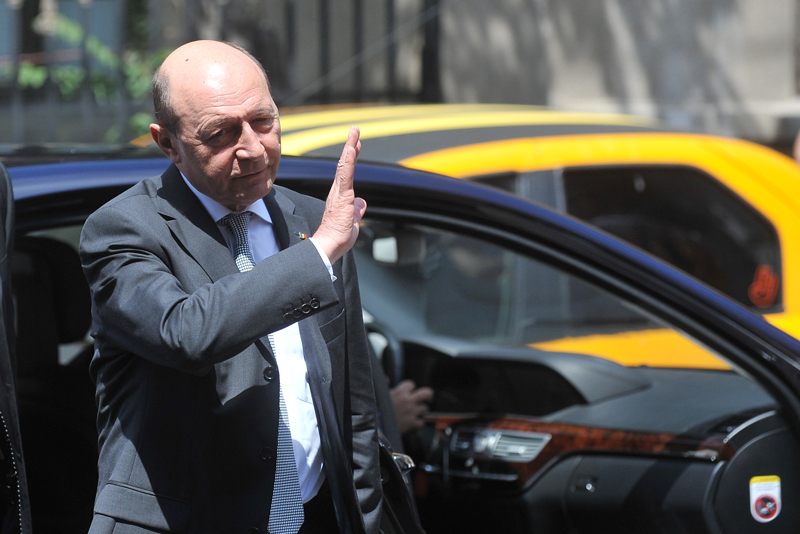 Traian Basescu, citat ca martor intr-un dosar