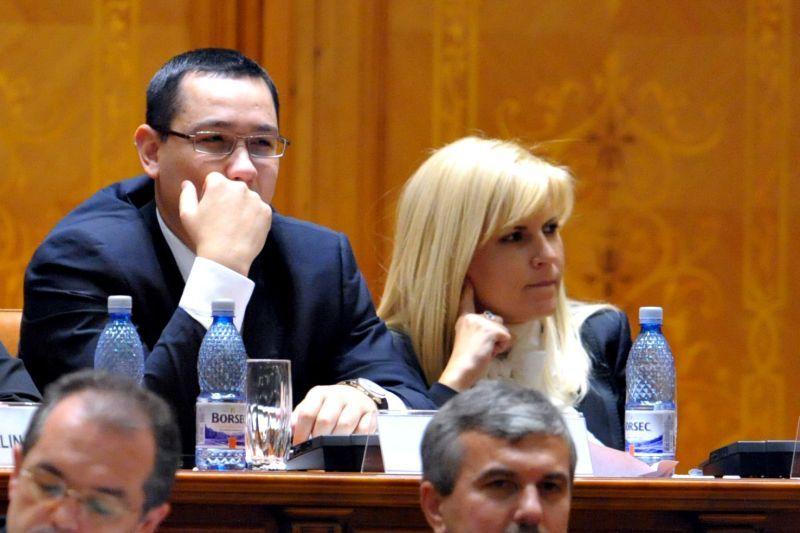 Udrea ii cere lui Ponta retragerea din cursa pentru Presedintie si demisia din functia de premier
