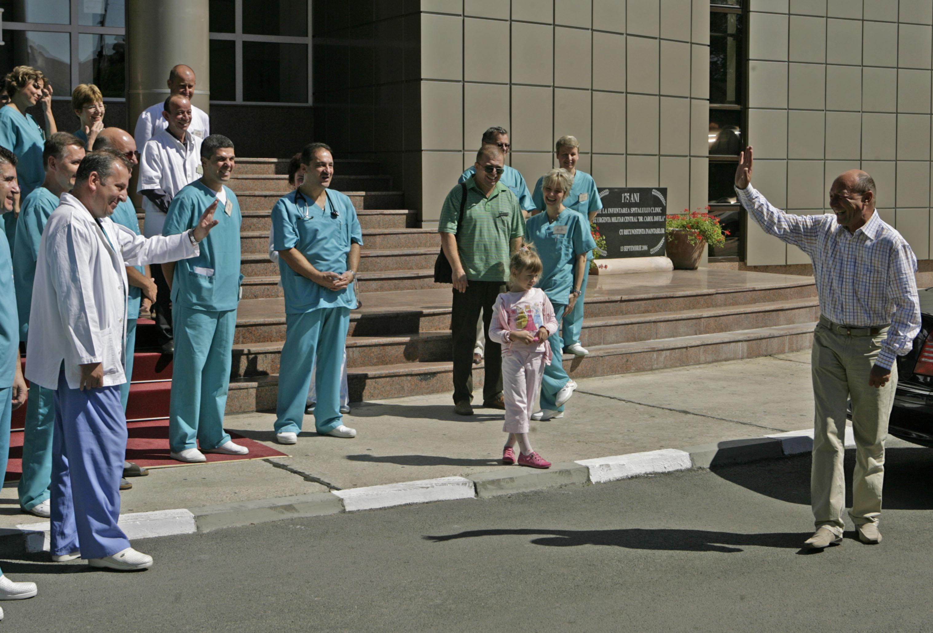 REACTIA lui Basescu dupa ce televiziunea lui Sebastian Ghita i-a descoperit ,,semnele bolii Parkinson