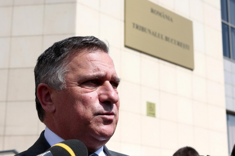 Funar a sesizat CC, candidatii la Presedintie sa declare daca au fost sau nu ofiteri acoperiti
