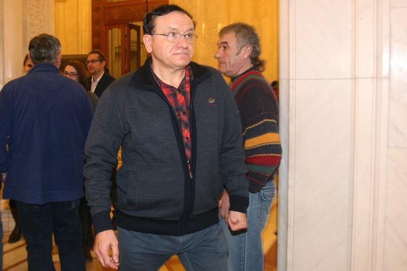 Arestat preventiv, baronul Cancescu a fost suspendat din functia de sef al CJ Brasov