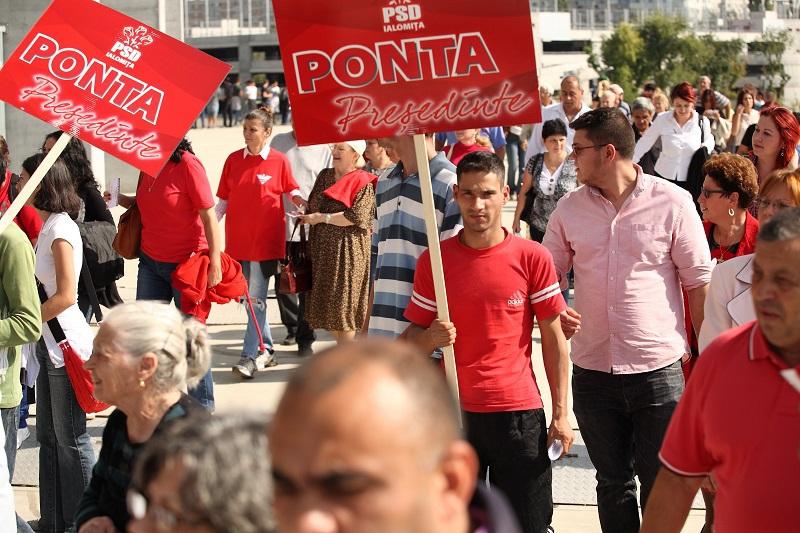 Ponta, aclamat de cinci mii de pesedisti.