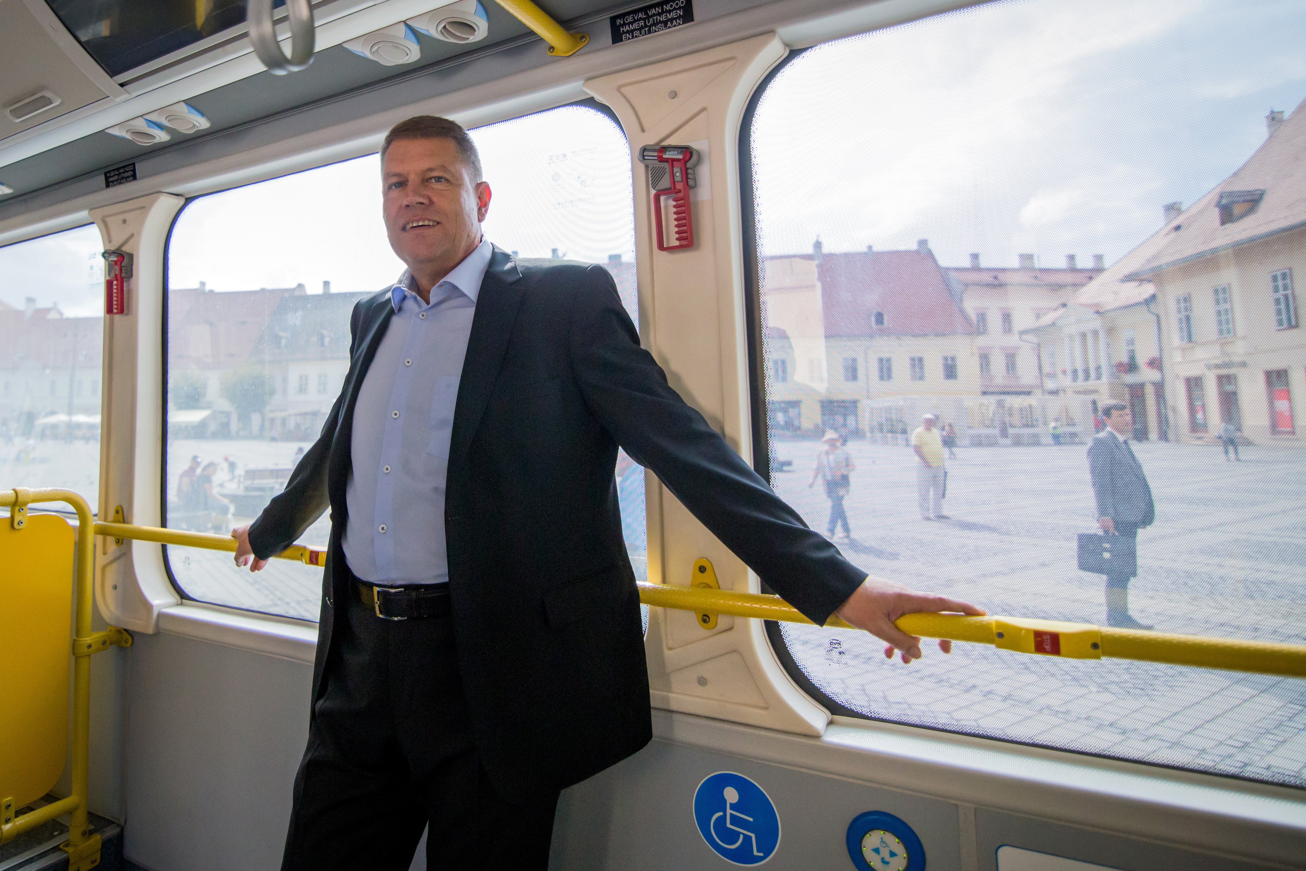 Corpul de Control al premierului va face verificari la Primaria Sibiului. Iohannis sta