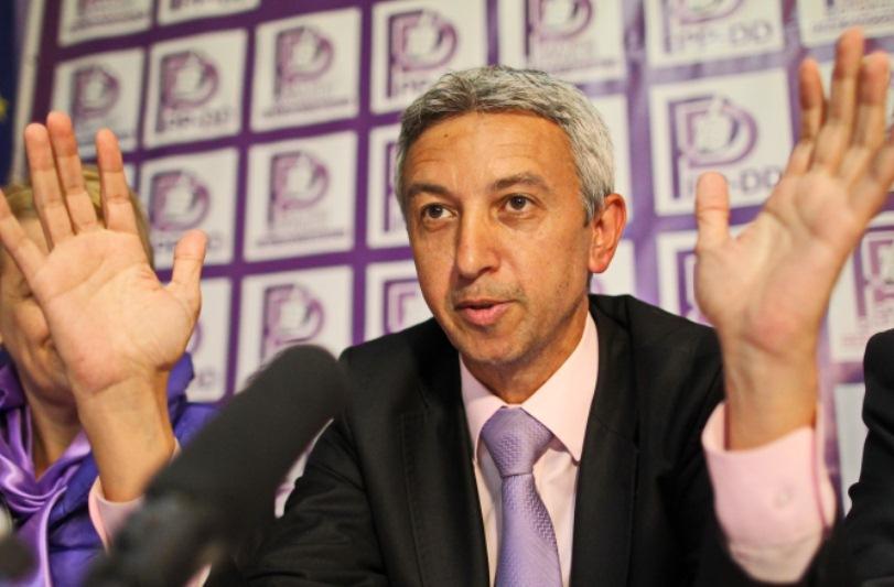 Dan Diaconescu a anuntat cui ii da votul in turul II