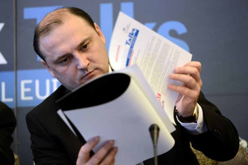 La final de mandat. Promisiunile fostului ministru al Societatii Informationale, Razvan Cotovelea: tablete in scoli si satelit pentru Romania pe orbita