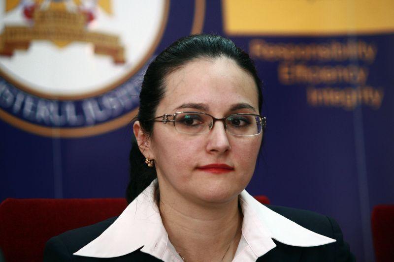 Alina Bica, cercetata de DNA intr-un dosar in care e acuzata ca a luat 3,5 milioane de euro mita de la Ioan Niculae. Numele lui Tender, Udrea si Dragnea, mentionate in dosar