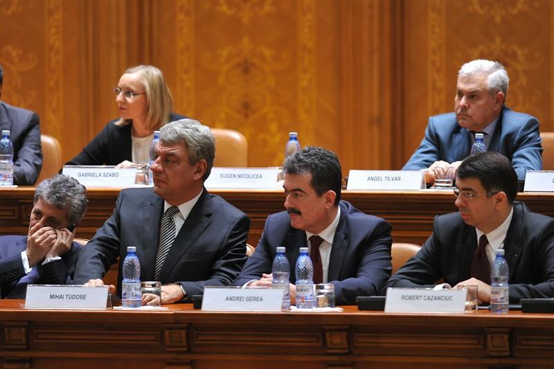 Basescu a semnat numirea Guvernului Ponta 4. Noii ministri depun juramantul maine dimineata