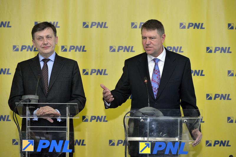 Alina Gorghiu este succesoarea lui Klaus Iohannis la sefia PNL