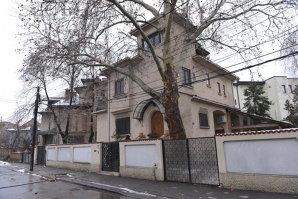 Guvernul scoate la vânzare vila RA-APPS locuită de Geoană: care este preţul de pornire