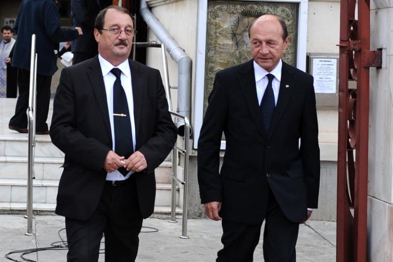 Traian Basescu: Fratele meu nu a luat bani de la Bercea. Antena 3, Abraham si Bercea au facut o inscenare