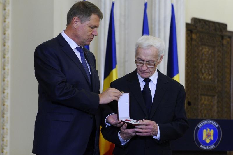 Presedintele Klaus Iohannis, LOVIT din plin pentru o decizie pe care a luat-o dupa investire. ,,Este un dezamagitor act de populism