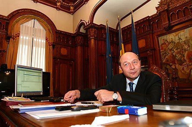Ce a gasit Klaus Iohannis in biroul lui Basescu de la Cotroceni. Nimeni nu se astepta sa ia o asemenea decizie