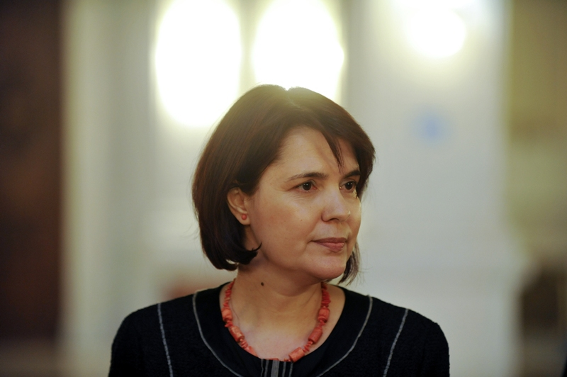 Maya Teodoroiu este, oficial, judecator CCR. Ce mesaj i-a transmis Iohannis