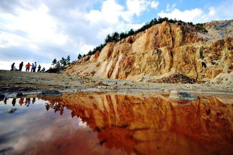 Rosia Montana revine. SCRISORILE primite de Klaus Iohannis si Victor Ponta de la Gabriel Resources