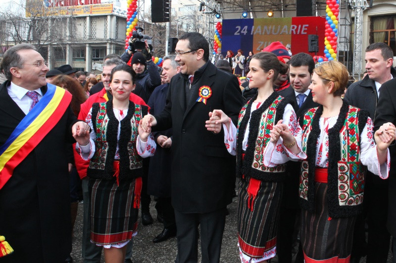 Ponta si Iohannis, in prima Hora a Unirii de la Iasi