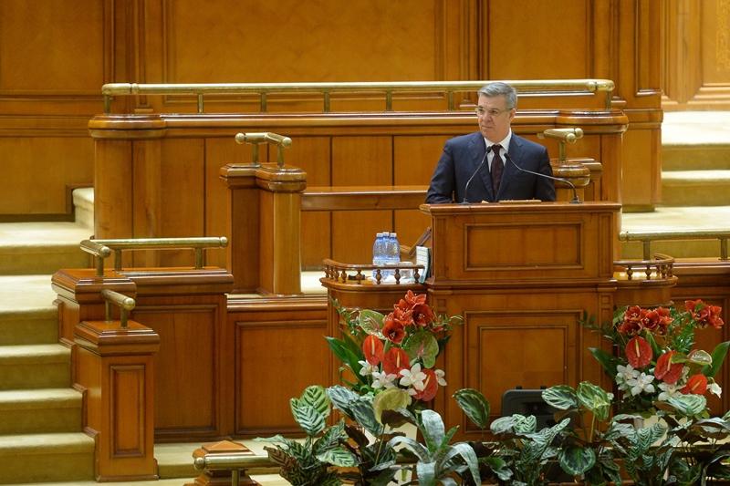 Valeriu Zgonea nu mai vrea sa cumpere flori pentru Camera Deputatilor