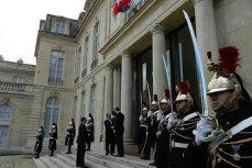 """Iohannis face prima vizită oficială în Franţa. Hollande: """"Sperăm să cooperăm pentru construcţia de autostrăzi, în domeniul energiei nucleare şi al apărării"""""""