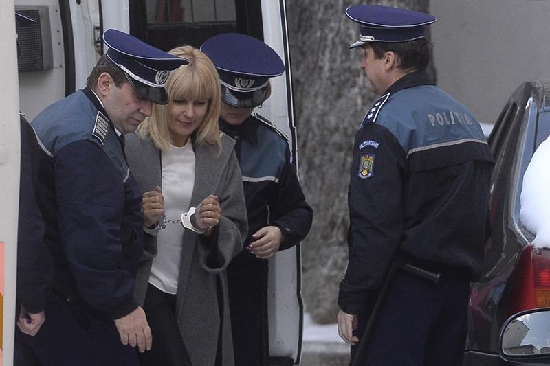 Elena Udrea a ajuns la DNA, unde a fost citata pentru denuntul impotriva lui Coldea