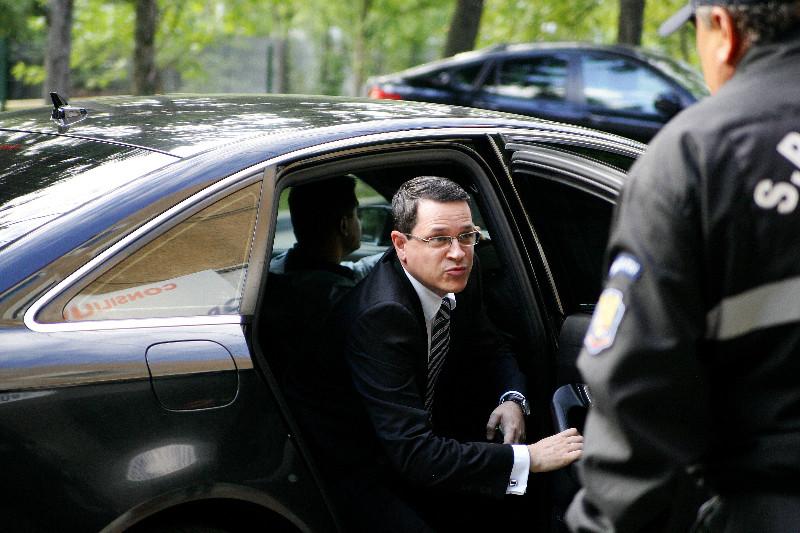 BREAKING NEWS! Iohannis face ANUNTUL-SOC. Ce se va intampla cu SRI