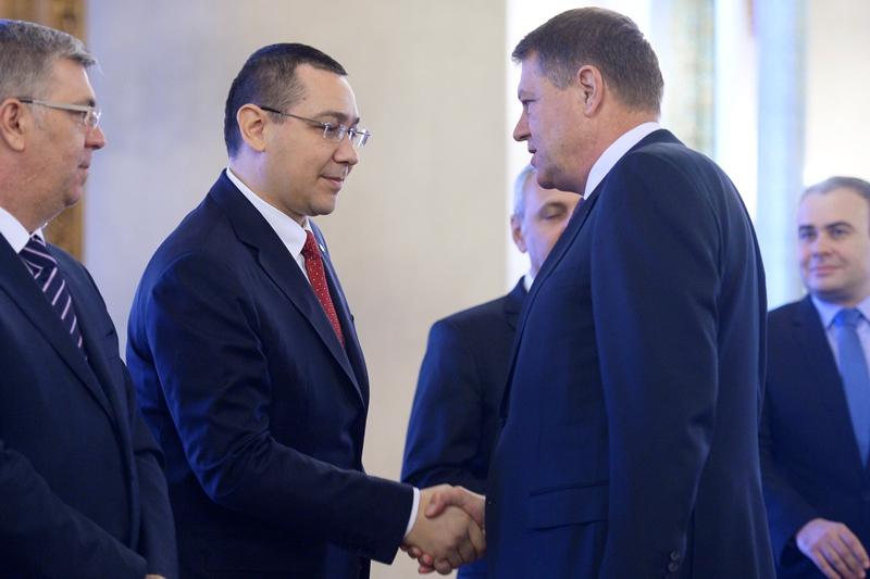 Iohannis a semnat decretele de demisie a lui Valcov si de interimat a lui Ponta la Finante