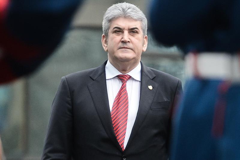 Vicepremierul Oprea da semnalul votului pentru Sova si Valcov