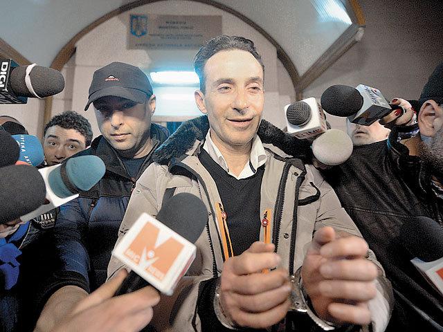 Primarul Constantei, Radu Mazare, arestat preventiv pentru fapte de coruptie, suspendat din functie