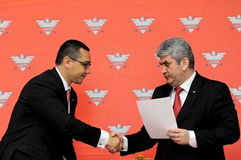 Ponta si-a delegat catre Oprea atributiile de coordonare a Guvernului, pentru vacanta de Pasti