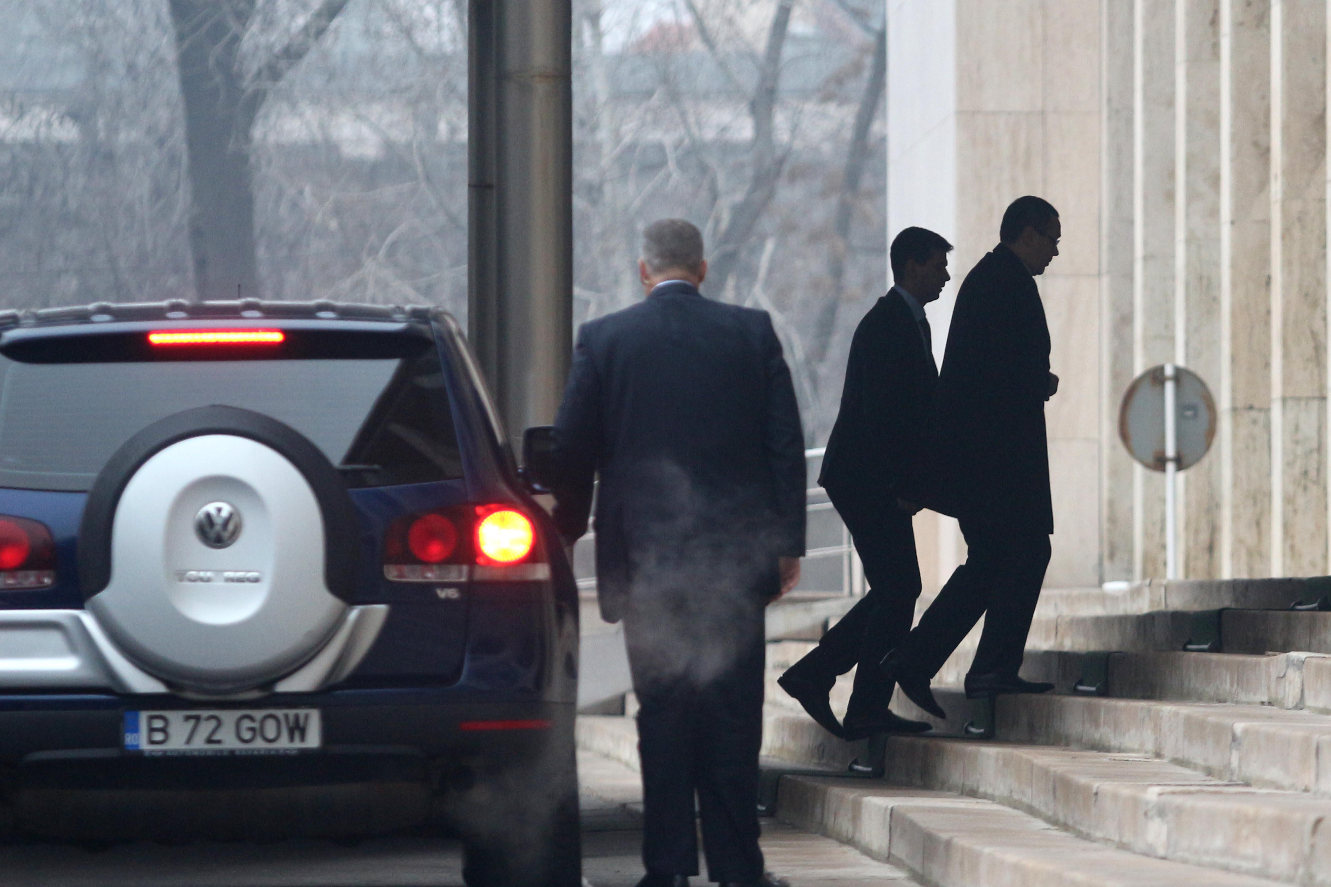 Ponta s-a intalnit cu seful SRI, la Guvern. Prezenta SURPRIZA din Palatul Victoria