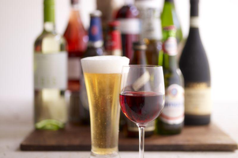 De ce nu s-a redus TVA la bere si vin. Ponta: