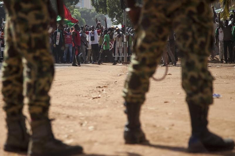 Basescu, atac la Ponta si Iohannis in cazul romanului rapit in Burkina Faso: ,,Treziti-va. Nu faceti din Iulian Gheorghe simbolul neputintei